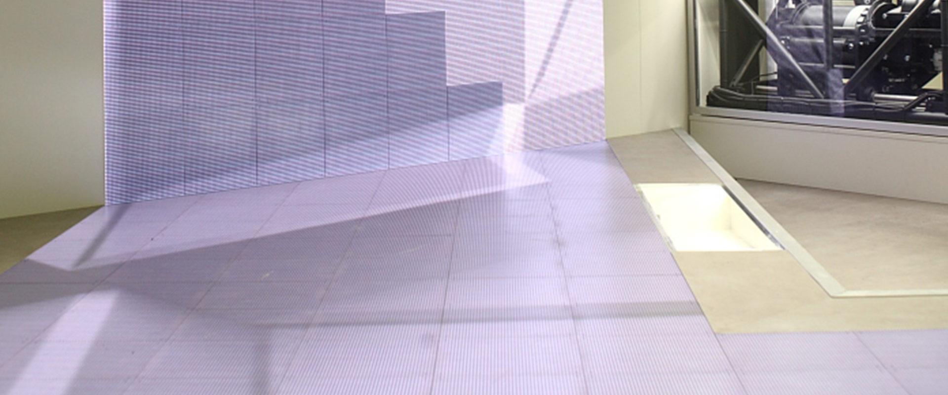 LED-Wand und Boden auf dem Lleyendecker Messestand Best of Events