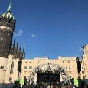 Bühne vor der Schlosskirche Reformationssommer Wittenberg