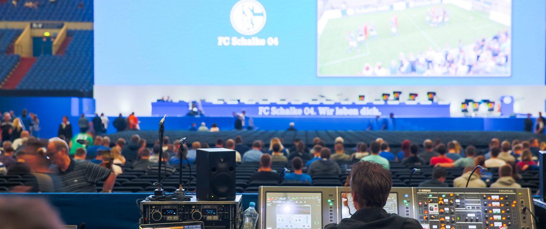 Videotechnik, Bühnentechnik, Lichttechnik, Audiotechnik für Hauptversammlungen